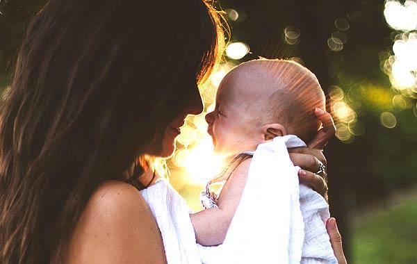 親子 母と赤ちゃん