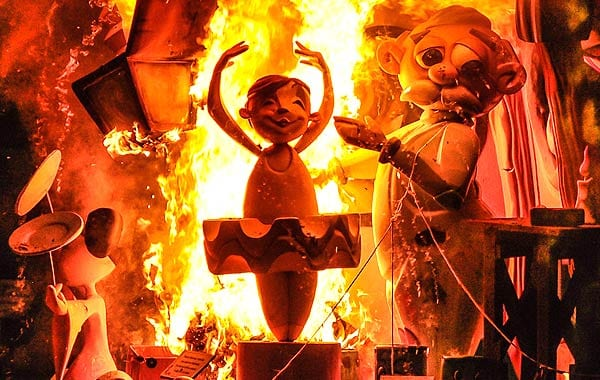 バレンシア火祭り