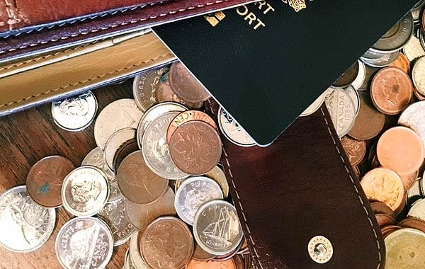 パスポートやお金