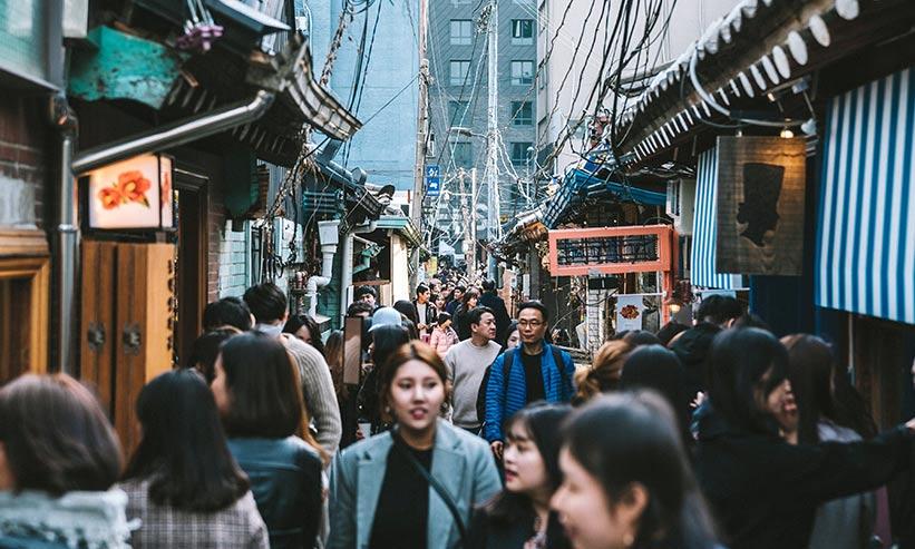 賑わう韓国の街並み