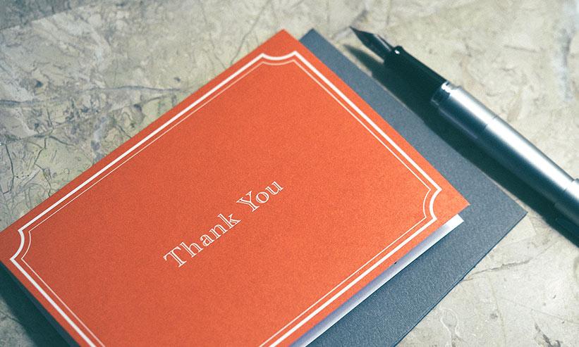 Thank you と書かれたメッセージカード