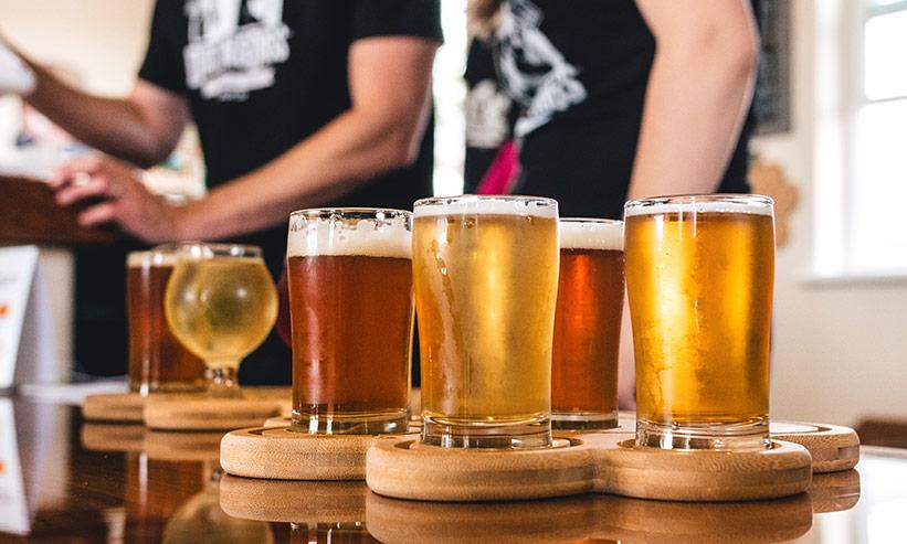 並べられたビール