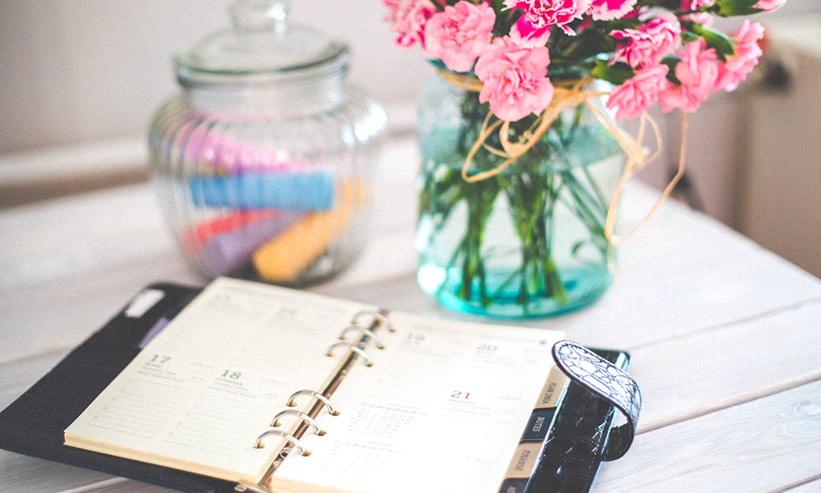 メモ帳と花瓶
